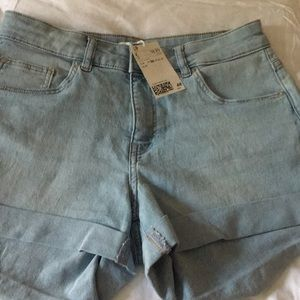 H&M Denim Jean Shorts NWT size 4